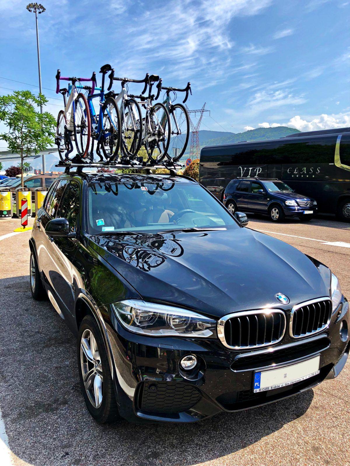 Bagażnik rowerowy na hak czy na dach?
